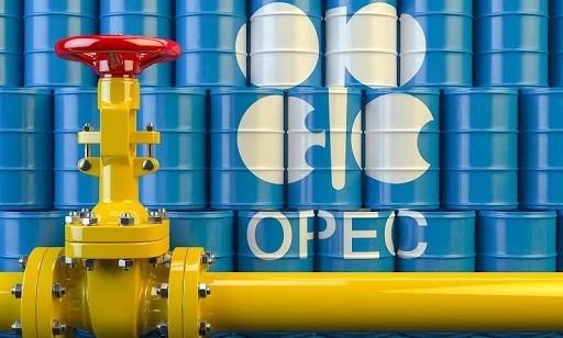 OPEC+ muốn cắt thêm sản lượng, giá dầu vẫn giảm