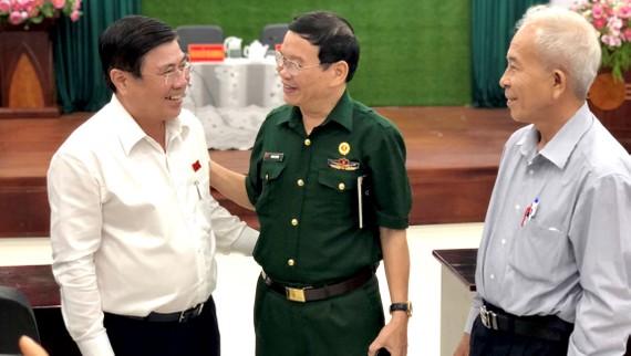 Chủ tịch UBND TPHCM Nguyễn Thành Phong: Kiên trì lập lại trật tự lòng lề đường