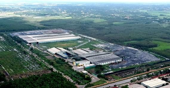 Nhà máy Xử lý rác sinh hoạt Vietstar xử lý rác bằng công nghệ đốt phát điện, công suất 2.000 tấn/ngày. Ảnh: CAO THĂNG