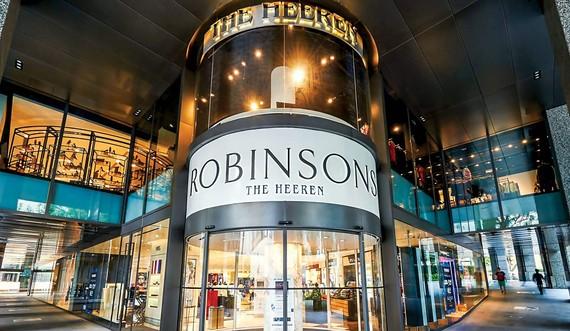 Cửa hàng tại trung tâm thương mại The Heeren là đánh dấu sự ra đi của thương hiệu Robinsons sau 162 năm hoạt động kinh doanh.