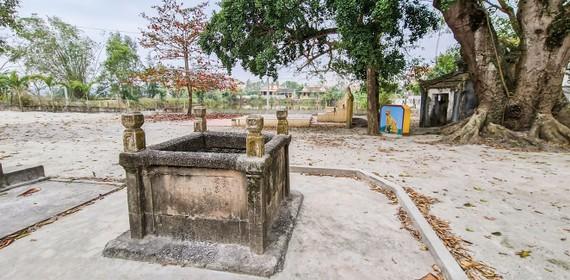 Giếng Chăm cổ ở làng thuần Việt gần ngàn năm tuổi Pháp Kệ. Ảnh: MINH PHONG