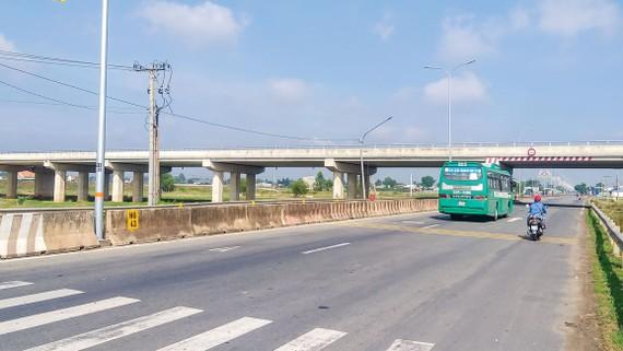 Cầu vượt qua Quốc lộ 22 thuộc dự án đường Hồ Chí Minh qua Tây Ninh.