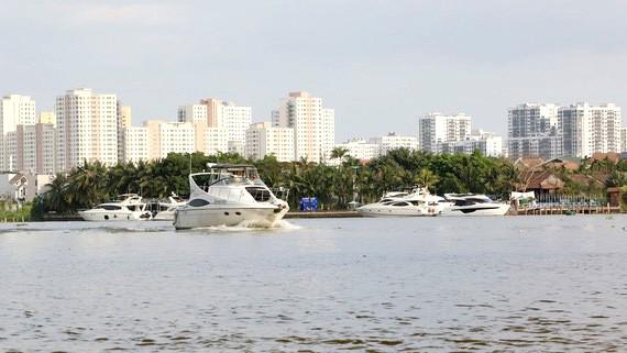Phát triển kinh tế dịch vụ ven sông