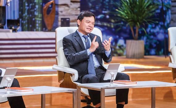 Shark Phú gây tranh cãi khi chọn đầu tư cho Wiibike vì nữ CEO có nhan sắc xinh đẹp.