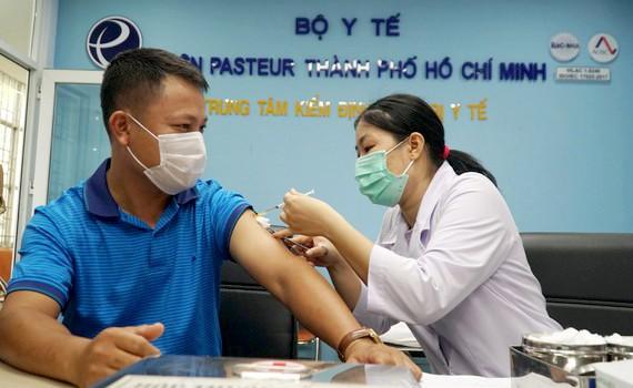 Hiện TPHCM có trên 7,2 triệu người trong độ tuổi cần tiêm vaccine Covid-19.