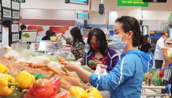 Hàng tết tại hệ thống bán lẻ Saigon Co.op rất đa dạng, hấp dẫn người tiêu dùng