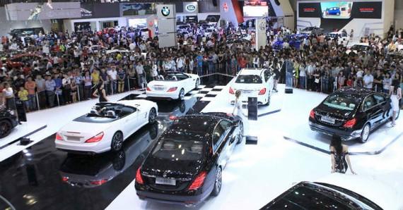 Triển lãm ô tô quốc tế quy tụ 12 hãng xe danh tiếng