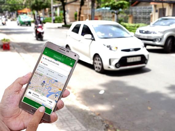 Giá taxi công nghệ Uber và Grab không còn rẻ như lúc trước