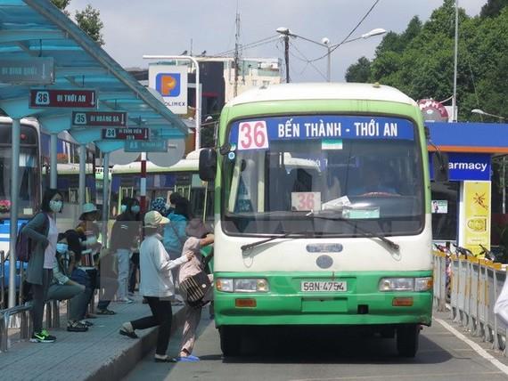 Phải đa dạng các phương thức vận tải hành khách công cộng