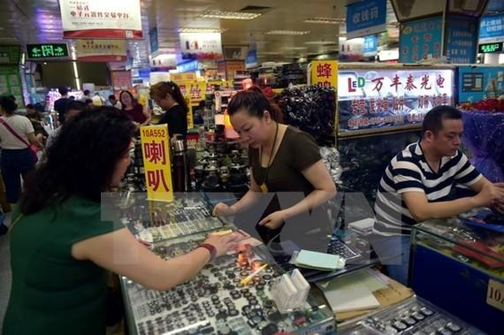 S&P's hạ xếp hạng tín nhiệm Trung Quốc xuống A+