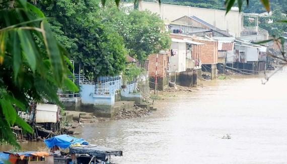 Khu dân cư ven sông này bị đe dọa nếu dự án tiếp tục được triển khai