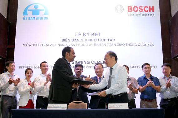 Bosch VN ký hợp tác nghiên cứu an toàn giao thông và an toàn xe