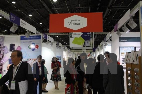 Khu vực các gian hàng Việt Nam tại hội chợ. (Ảnh: Linh Hương/TTXVN)