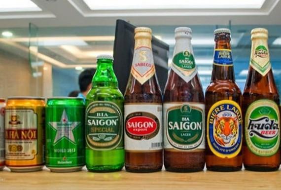 Bộ Công Thương cho biết đã dừng đề xuất dán tem để quản lý bia và sẽ nghiên cứu các giải pháp khác trên cơ sở đảm bảo quyền lợi chính đáng của người tiêu dùng, doanh nghiệp