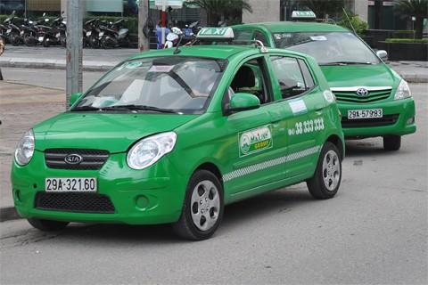 Tổ chức 6 điểm đón taxi có thu phí