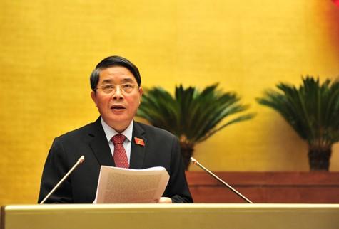 Chủ nhiệm Uỷ ban Tài chính- Ngân sách Nguyễn Đức Hải trình bày Tờ trình của UBTVQH về tiếp thu, chỉnh lý, giải trình dự án Luật Quản lý nợ công (sửa đổi). Ảnh: VGP/Nhật Bắc