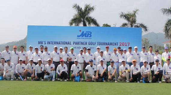 """MB tổ chức """"MB Golf Tournament 2017"""" tri ân khách hàng"""