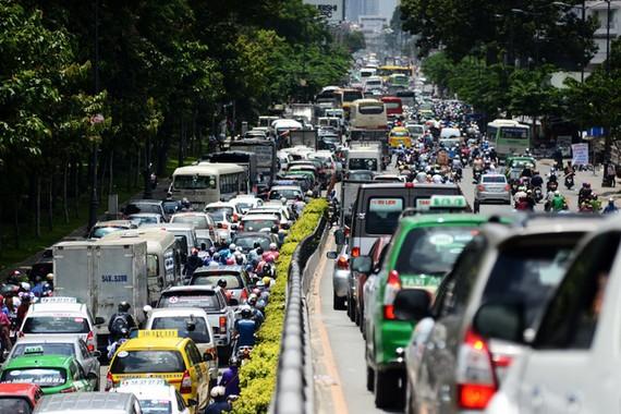Ket xe ở khu vực Lăng Cha Cả-đường Hoàng Văn Thụ (Q.Tân Bình, TP.HCM).Ảnh: DUYÊN PHAN