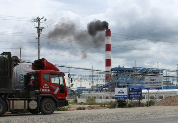 Nhập khẩu than ngày càng lớn do nhu cầu từ các nhà máy nhiệt điện than - Ảnh: Tuoitre.vn