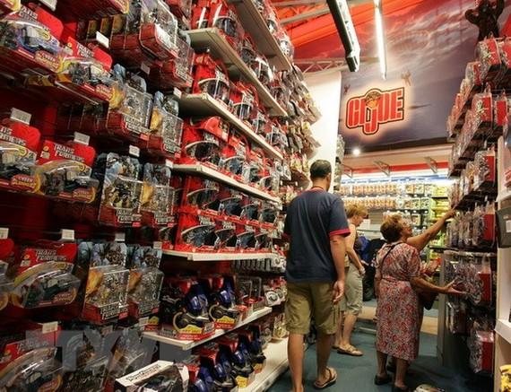 Một gian hàng bán đồ sản xuất tại Trung Quốc ở New York (Mỹ). (Nguồn: THX/TTXVN)