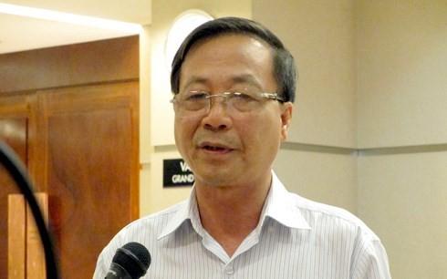 Ông Nguyễn Tiến Thỏa, Chủ tịch Hội Thẩm định giá Việt Nam (nguyên Cục trưởng Cục quản lý giá, Bộ Tài chính) không đồng tình với việc chậm trễ công bố giá cơ sở mặt hàng xăng RON95.