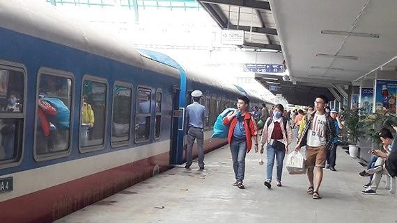 Nhiều tuyến đường sắt giảm 15% cho hành khách mua vé khứ hồi