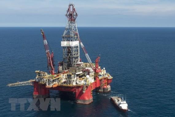 Một cơ sở khai thác dầu trên vịnh Mexico. (Ảnh: AFP/TTXVN)