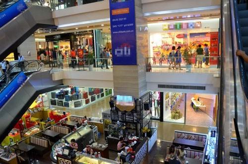 Một góc trung tâm thương mại trên đường Đồng Khởi, quận 1, TP HCM. Ảnh: TẤN THẠNH