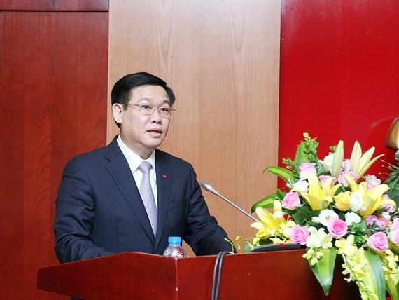 Phó Thủ tướng Vương Đình Huệ phát biểu tại hội thảo. Ảnh VGP