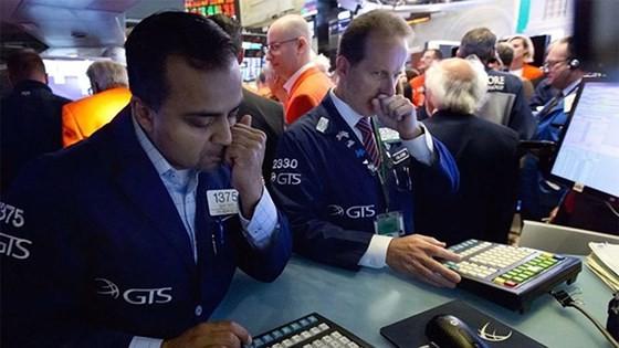 Thị trường chứng khoán New York chao đảo sau quyết định áp thuế ngày 15-6 của Tổng thống Donald Trump