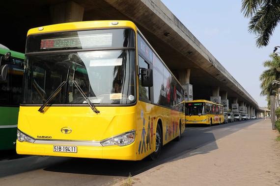Xe buýt chạy tuyến cố định có lộ trình qua sân bay Tân Sơn Nhất