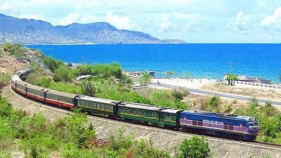Đường sắt giảm giá vé hàng loạt trong tháng 7, 8