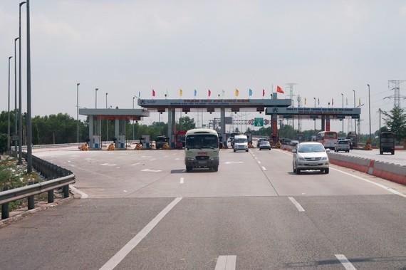 Đề nghị tiếp tục bán quyền thu phí cao tốc TPHCM - Trung Lương