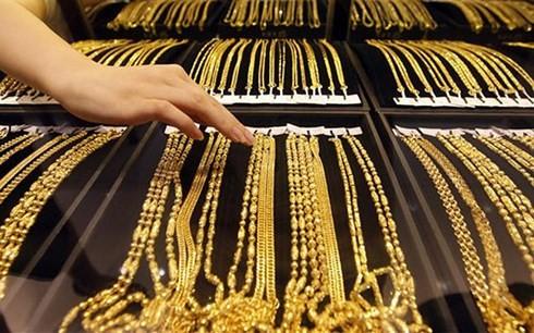 Giá vàng tiếp tục suy giảm