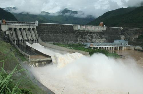 Thủ tướng chỉ đạo xử lý thông tin về nhập khẩu điện từ Trung Quốc