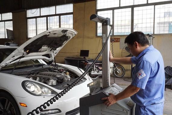 VN đang áp dụng kiểm định khí thải ô tô ở mức thấp nhất
