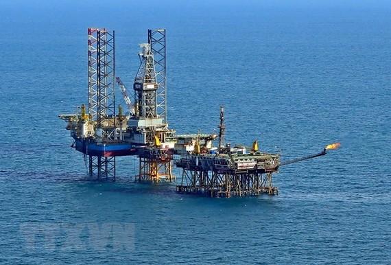 Thu ngân sách từ dầu thô sắp đạt 100% dự toán sau 7 tháng