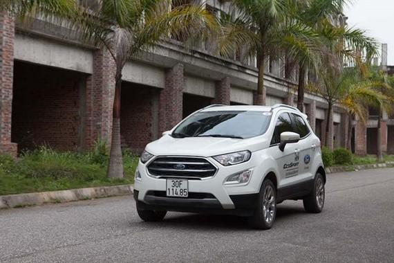 Ôtô nguyên chiếc tăng đột biến, giá trung bình 24.000 USD