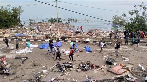 Hiện trường đổ nát sau khi sóng thần ập vào Palu, đảo Sulawesi, Indonesia ngày 29/8/2018. (Ảnh: AFP/TTXVN)