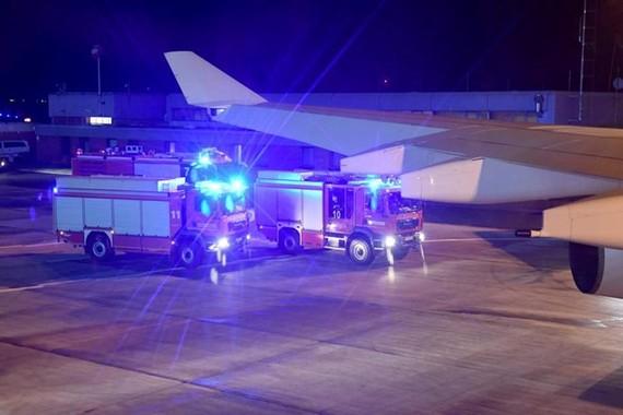 Chuyên cơ chở Thủ tướng Đức đã phải hạ cánh khẩn cấp. (Nguồn: Evening Standard)