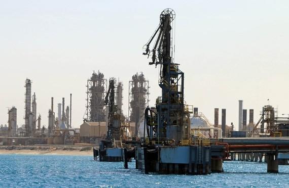 OPEC hướng tới thỏa thuận cắt giảm sản lượng dầu