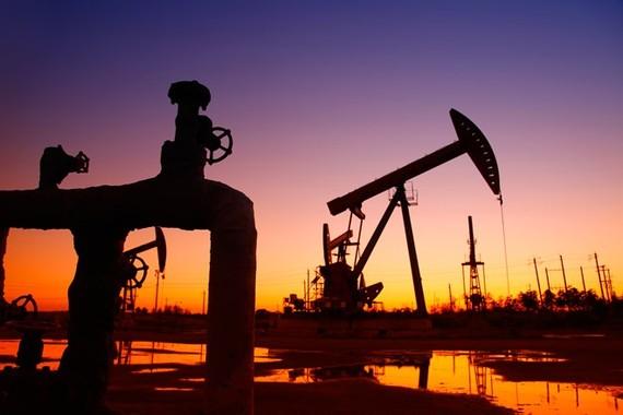 OPEC đang tìm cách cắt đủ sản lượng, giá dầu tiếp tục giảm