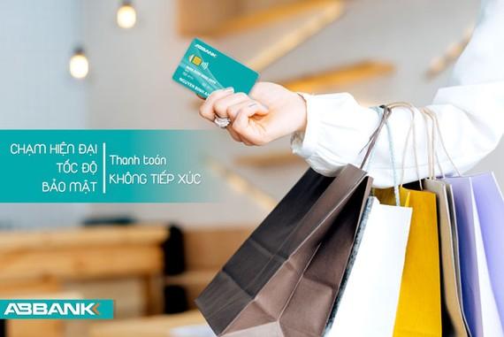 ABBANK ra mắt thẻ thanh toán quốc tế không tiếp xúc
