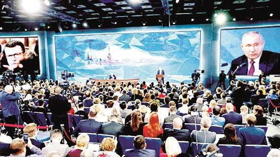 Quang cảnh buổi họp báo cuối năm của Tổng thống Nga. Ảnh: Sputnik