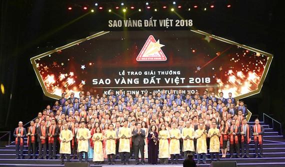 Các doanh nghiệp đạt giải thưởng Sao Vàng đất Việt 2018.