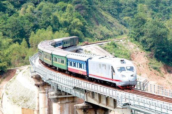 Đường sắt tốc độ cao Hà Nội - TPHCM chỉ mất hơn 5 giờ