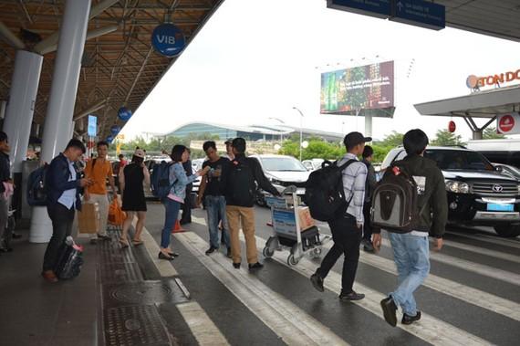 Chưa đến Tết Dương lịch 2019 nhưng hành khách tại SBQT đã rất đông đúc.