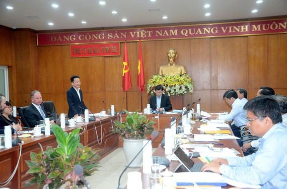 Ông Đỗ Quang Hiển, Chủ tịch HĐQT kiêm Tổng Giám đốc Tập đoàn T&T Group phát biểu tại buổi làm việc.