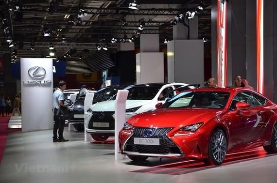 Chương trình ưu đãi thuế nhập khẩu linh kiện ôtô hiện chỉ áp dụng cho các loại xe chạy xăng dầu. (Ảnh: Vietnam+)