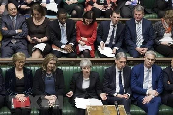 Thủ tướng Anh Theresa May (giữa, hàng đầu) phát biểu trước Hạ viện ở London ngày 20/3/2019. (Nguồn: THX/TTXVN)